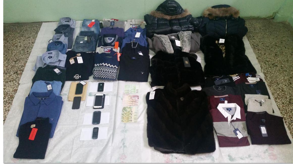 Σύλληψη 5 ατόμων στην Καστοριά: Εξιχνιάστηκαν, συνολικά 6 περιπτώσεις κλοπής που διέπραξαν σε καταστήματα γουναρικών και ειδών ρουχισμού, σε Καστοριά και Τρίκαλα  (Φωτογραφία)