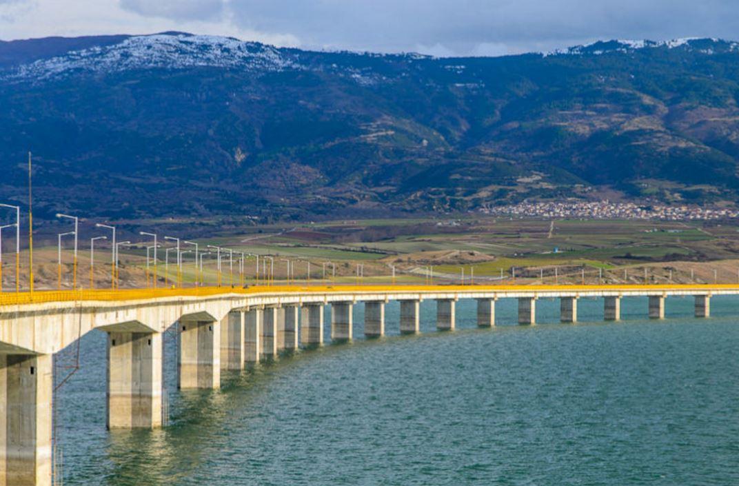 kozan.gr: Πτώμα άνδρα, εντοπίστηκε στη λίμνη Πολυφύτου, ακριβώς στην Yψηλή Γέφυρα των Σερβίων