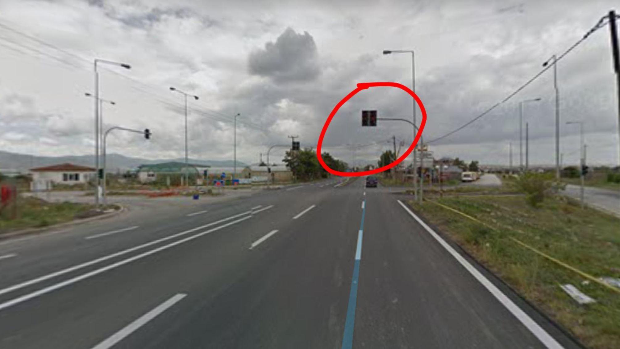 Καταγγελία αναγνώστη στο kozan.gr: Η μη λειτουργία, εδώ και μια εβδομάδα, φωτεινού σηματοδότη, στην είσοδο της Πτολεμαίδας, δημιουργεί σοβαρούς κινδύνους (Φωτογραφία)