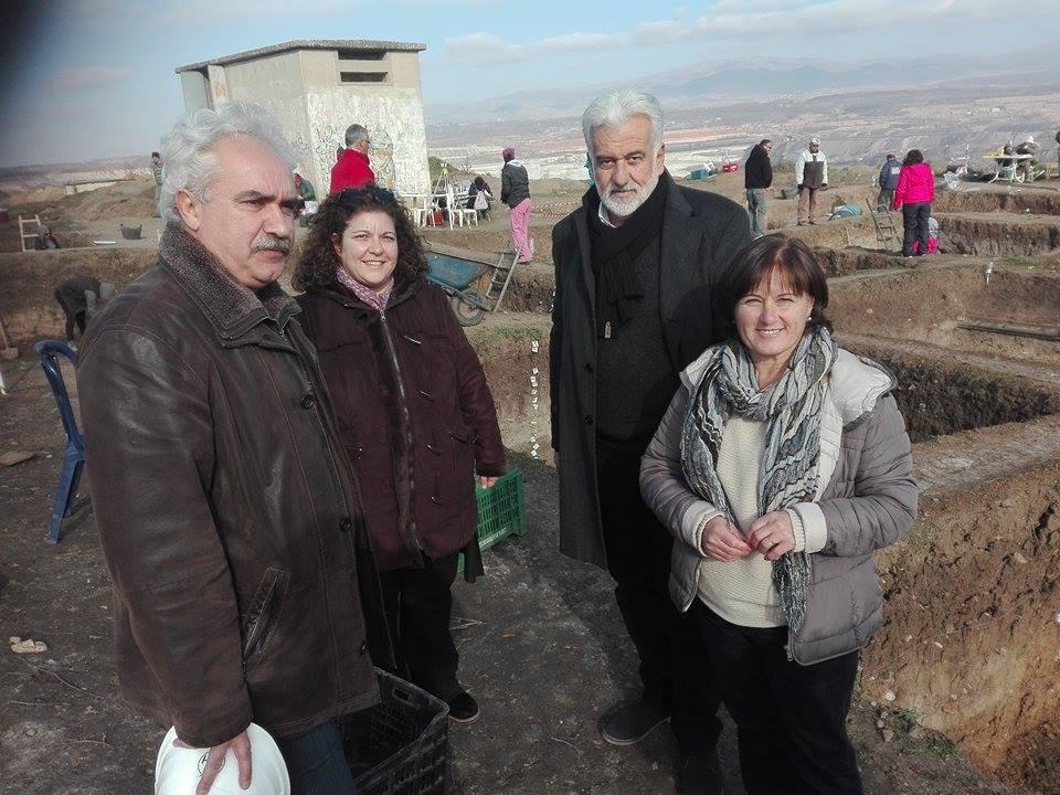 kozan.gr: Νεολιθικό οικισμό στα Ορυχεία της ΔΕΗ, στη θέση Σουλούκια (Ποντοκώμη), ανασκάπτει, αυτή την περίοδο, η Εφορεία Αρχαιοτήτων Κοζάνης (Βίντεο & Φωτογραφίες)