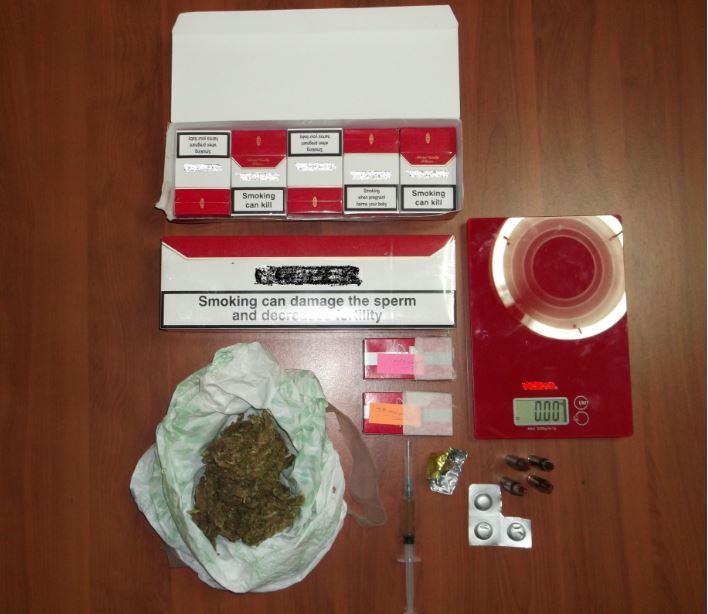 Σύλληψη 38χρονου σε περιοχή των Γρεβενών για παραβάσεις των νόμων περί ναρκωτικών, όπλων και τελωνειακού κώδικα (Φωτογραφία)
