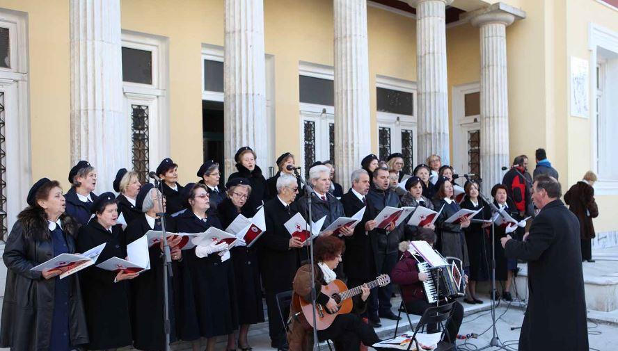 Κάλαντα και χριστουγεννιάτικες μελωδίες  στην κεντρική πλατεία της Κοζάνης  την Κυριακή 18 Δεκεμβρίου στις 11:00 το πρωί