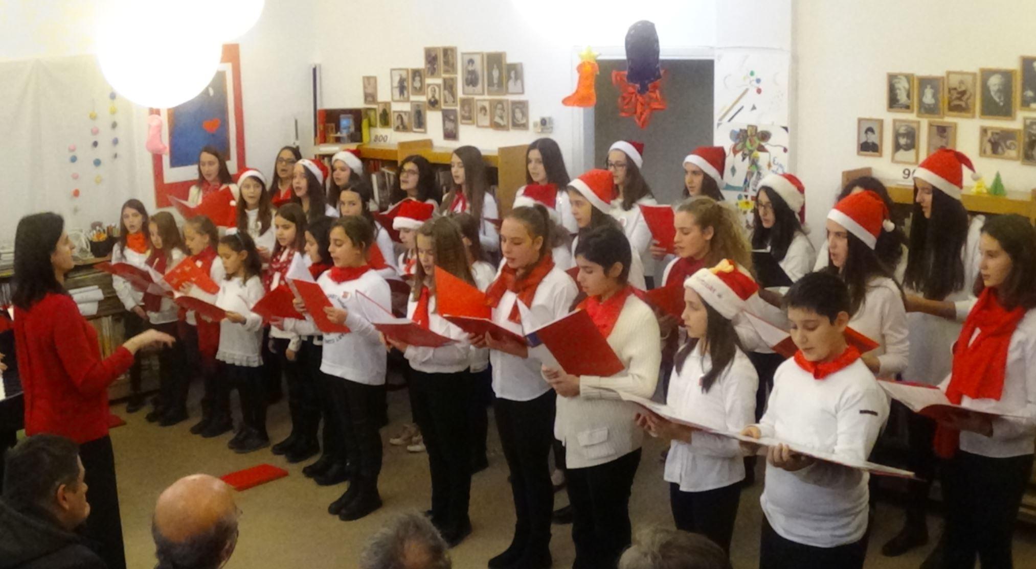 Εξαιρετική συναυλία από την Παιδική Χορωδία του Ωδείου Δημητρίου Δημόπουλου στο χώρο της Παιδικής-Εφηβικής Βιβλιοθήκης Βελβεντού (Φωτογραφίες & Βίντεο)