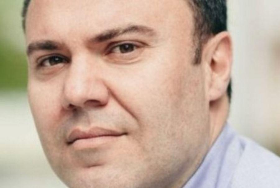 kozan.gr: O Γιώργος Πεκρίδης, πρόεδρος τη ΔΕΥΑΚ, μετακομίζει μόνιμα στην Αθήνα – Φημολογείται έντονα ότι θα εργασθεί ως μετακλητός υπάλληλος στο Yπουργείο Περιβάλλοντος και Ενέργειας