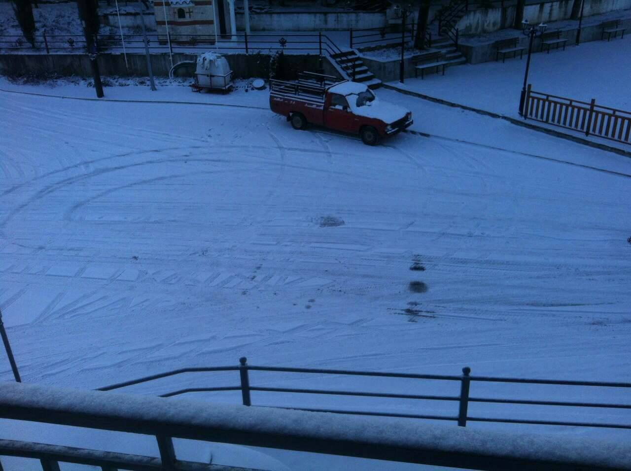 kozan.gr: Στα «λευκά» ντύθηκε και το Λιβαδερό του δήμου Σερβίων – Βελβεντού (Φωτογραφίες)