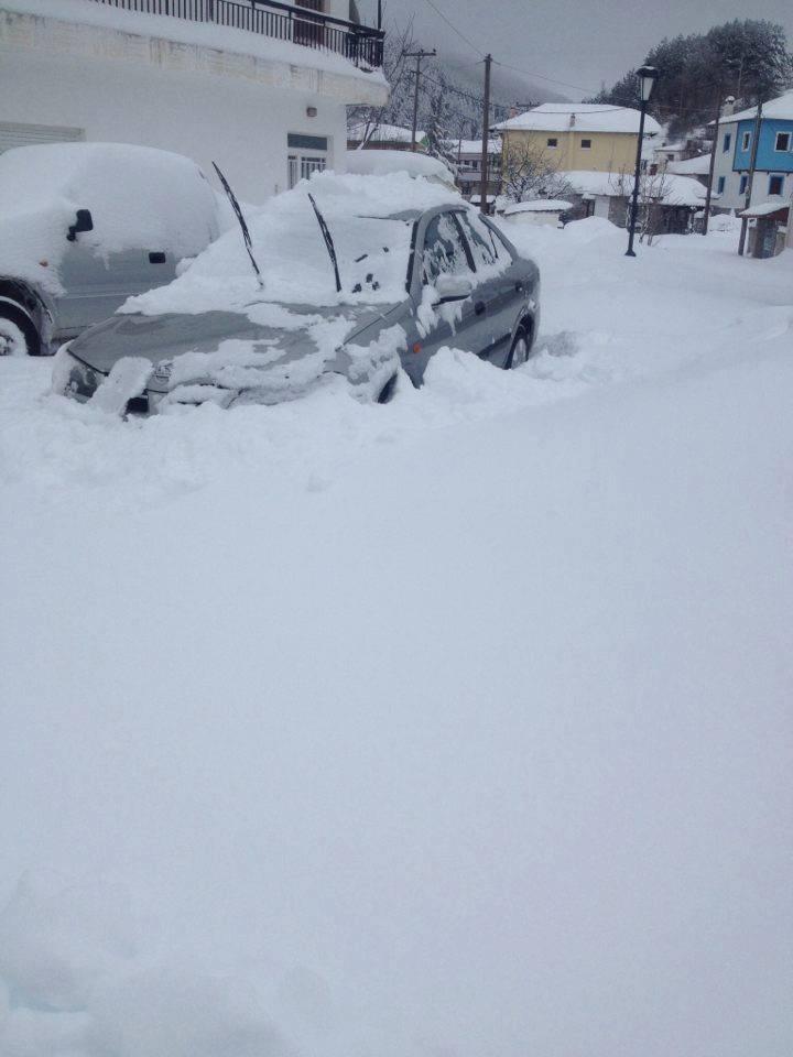 kozan.gr: Απελπιστική η κατάσταση με το χιόνι στην Βλάστη Εορδαίας – Οι εσωτερικοί δρόμοι του χωριού είναι γεμάτοι με χιόνι, που σε κάποια σημεία ξεπερνά και το 1 μέτρο – Τι καταγγέλλει στο kozan.gr κάτοικος του χωριού (Hχητικό)