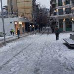 kozan.gr: Ώρα 07:55 π.μ.: Εικόνα από το κέντρο της Κοζάνης με τους εργαζόμενους στην καθαριότητα να ανοίγουν μονοποτάκια (Βίντεο)
