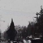 kozan.gr: Ώρα 12:05 μ.μ.: Ισχυρή χιονόπτωση στην Πτολεμαίδα – Βίντεο από το κέντρο της πόλης