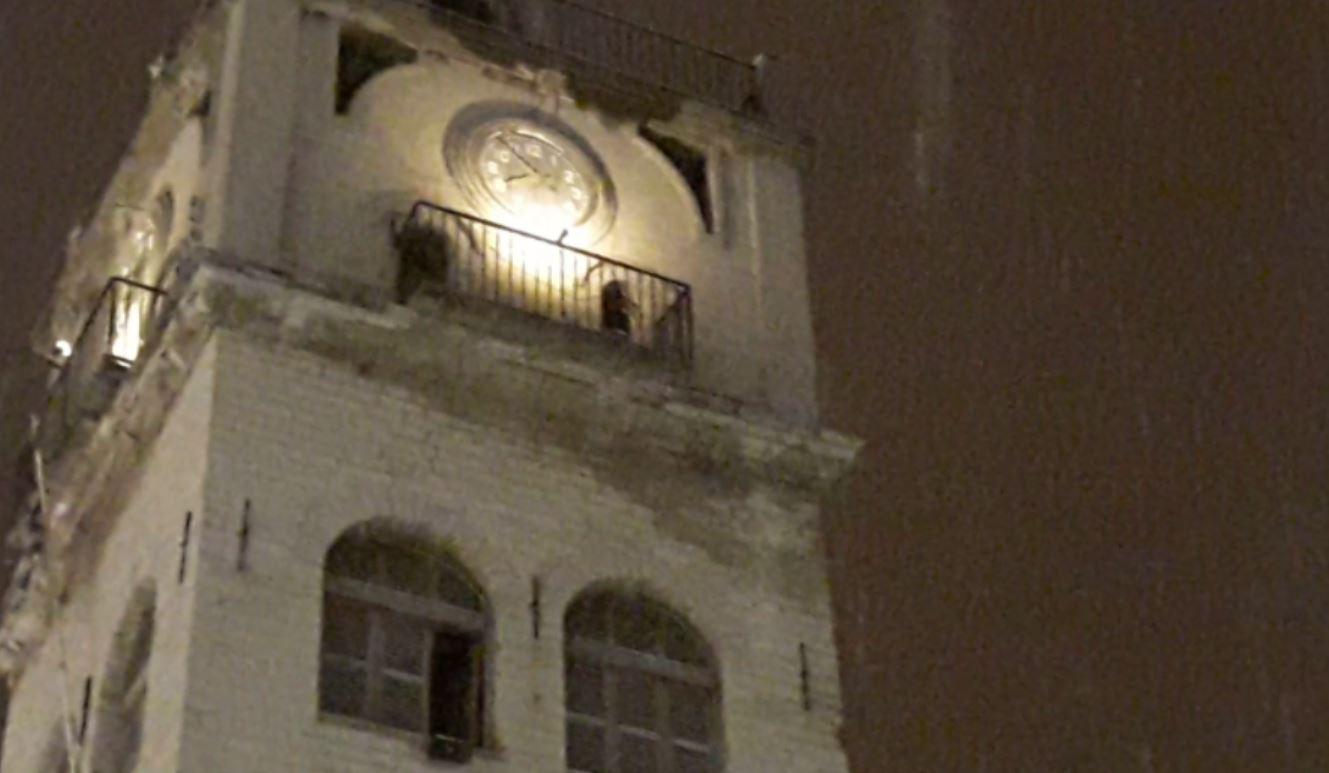 kozan.gr: Ώρα 20:00: Συνεχίζεται η χιονόπτωση στην Κοζάνη – Βίντεο από το κέντρο της πόλης