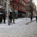 kozan.gr: Άμμος, από τα συνεργεία του δήμου Κοζάνης, στον κεντρικό πεζόδρομο της πόλης (Φωτογραφίες)