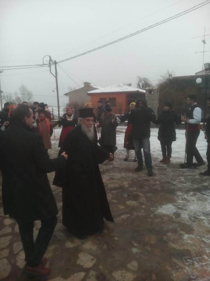 kozan.gr: Αναβίωσε και φέτος, ανήμερα του Αη Γιαννιού, στη Λευκοπηγή Κοζάνης, η Γιορτή της Αγάπης (Φωτογραφίες)