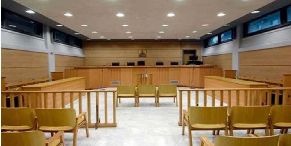 kozan.gr: Διεκδικούν, δικαστικώς, αποζημίωση 55.000 ευρώ, από το δήμο Κοζάνης και το Μαμάτσειο νοσοκομείο, για σωματική βλάβη που υπέστη στις 20/3/2009, στο Κολυμβητήριο Κοζάνης, ο ανήλικος γιος τους
