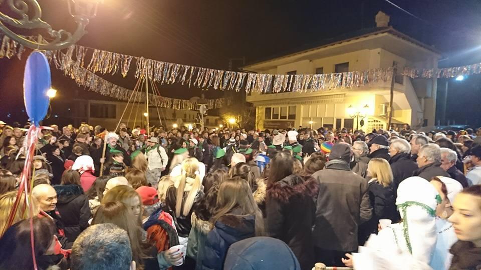 kozan.gr: Γεμάτος, από κόσμο, o φανός «Ου Μύλους» στην Αιανή (Φωτογραφίες & Βίντεο)