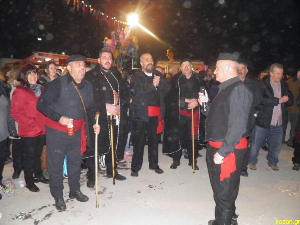 kozan.gr: Το γλέντι του Φανού «Πλατάνια» (Φωτογραφίες & Bίντεο)