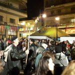 "kozan.gr: Γεμάτη η πλατεία Γιολδάση στην Κοζάνη, στο άναμμα και γλέντι του Φανού ""Παύλος Μέλας""(30 Φωτογραφίες & Βίντεο 7′)"