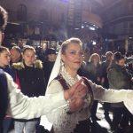 kozan.gr: Κεντρική πλατεία Kοζάνης: Mε τραγούδια και χορούς από την Κρήτη ξεκίνησαν οι σημερινές εκδηλώσεις (50 Φωτογραφίες – Βίντεο 26'+)