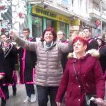 kozan.gr: Συνοδεία της Πανδώρας παρέλασε το άρμα του Μικρού Καρνάβαλου στην Κοζάνη (Βίντεο)