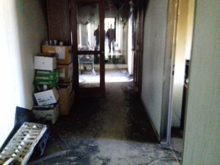 Από μέσα μπήκε η φωτιά στο Δικαστικό Μέγαρο Κοζάνης;; – Δράστης του εμπρησμού φέρεται δικαστική υπάλληλος με συνεργό τον αδερφό της – Ο εισαγγελέας άσκησε δίωξη εναντίον τους