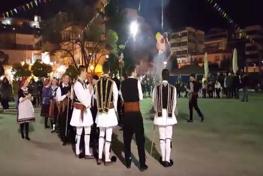 kozan.gr: Ο Σύλλογος Δυτικομακεδόνων Νομού Καβάλας, μαζί με το Σύλλογο «Ιωακείμ Λιούλιας», από τον Κρόκο Κοζάνης, παρουσίασαν στην  πλατεία Ελευθερίας, στην Καβάλα το έθιμο του «Φανού» (Bίντεο & Φωτογραφίες)