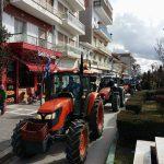 kozan.gr: Πορεία με τα τρακτέρ τους πραγματοποίησαν αγρότες στους κεντρικούς δρόμους της Πτολεμαΐδας (Φωτογραφίες & Βίντεο)