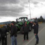 kozan.gr: Αγρότες Κοζάνης: «Προτεραιότητα μας είναι να μην κλείσει κανένας δρόμος». Μόλις 6 τρακτέρ στη συγκέντρωση που έγινε στο δρόμο προς Πτολεμαΐδα (Bίντεο & Φωτογραφίες)