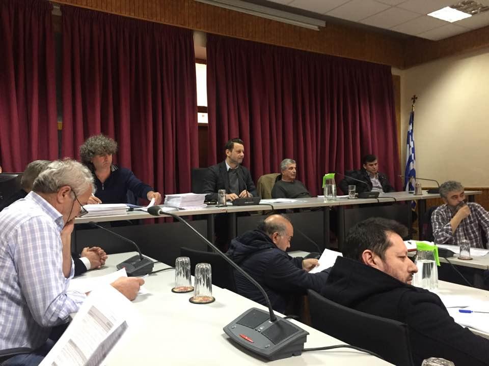 Ψήφισμα του Δημοτικού Συμβουλίου Δήμου Σερβίων-Βελβεντού για τις ΑΠΑΡΑΔΕΚΤΕΣ, ΥΒΡΙΣΤΙΚΕΣ, ΣΥΚΟΦΑΝΤΙΚΕΣ και ΥΠΟΤΙΜΗΤΙΚΕΣ δηλώσεις του δημάρχου Α. Κοσματόπουλου
