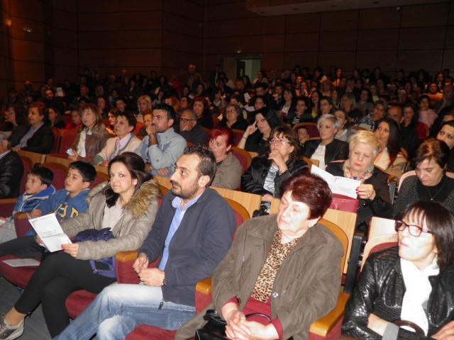 kozan.gr: Γεμάτη η αίθουσα στη Στέγη Ποντιακού Πολιτισμού Κοζάνης για το αφηγηματικό δρώμενο «Ποντιακό παραμύθι» (Φωτογραφίες-Βίντεο)