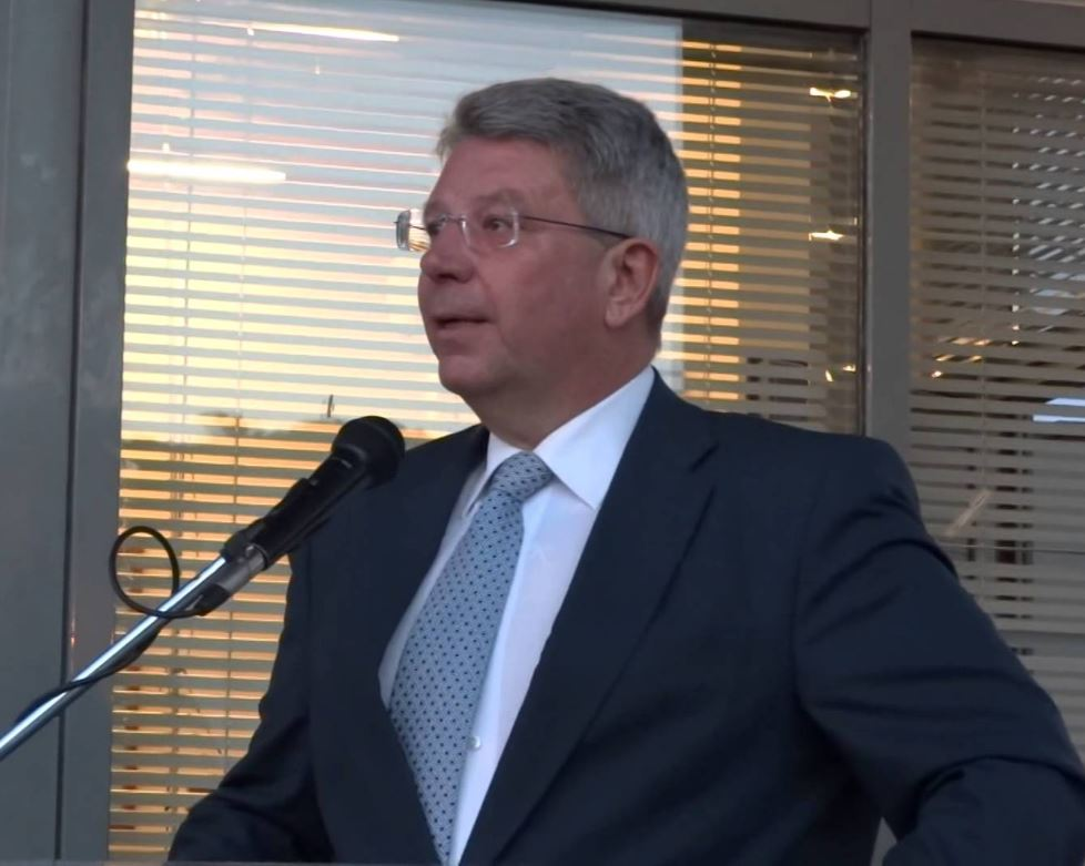 Σωτήρης Βόσδου (Περιφερειακός Σύμβουλος Φλώρινας – Παράταξη Γ. Δακή): «Θα γίνει Ε.Δ.Ε. για την τράπεζα Πειραιώς;»