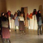 kozan.gr: H «Ικετηρία» του Παναγιώτη Ρίζου παρουσιάστηκε, το βράδυ της Τετάρτης 26 Απριλίου, στο Κλειστό της Λευκόβρυσης. Η παράσταση ήταν αφιερωμένη στους πρόσφυγες που φιλοξενήθηκαν στο γυμναστήριο (Φωτογραφίες & Βίντεο)