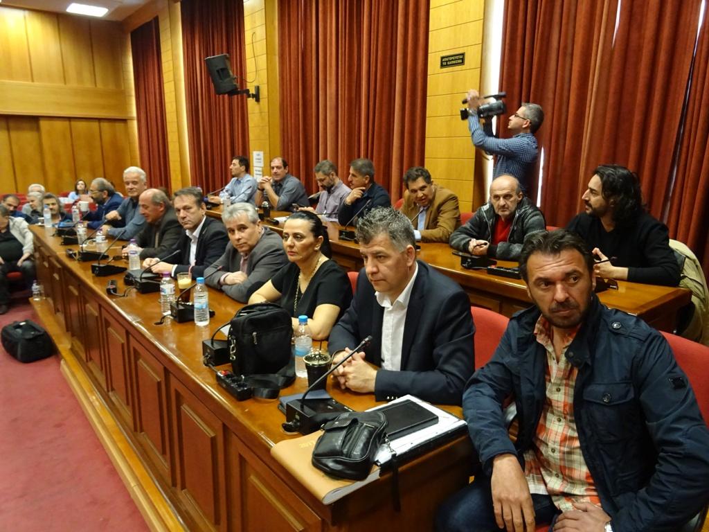 «Η ενέργεια και τα νερά είναι δημόσια αγαθά, θα δώσουμε τον αγώνα μέχρι τέλους»  δήλωσε ο Περιφερειάρχης Δυτικής Μακεδονίας  κατά τη σύσκεψη για το συντονισμό του συλλαλητηρίου της Παρασκευής – Ποια τα μέλη του συντονιστικού οργάνου (Δελτίο τύπου-Βίντεο)