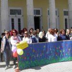 kozan.gr: Στους δρόμους τα μέλη του Σωματείου εργαζομένων στους Βρεφονηπιακούς και Παιδικούς σταθμούς Δ. Μακεδονίας (Φωτογραφίες-Βίντεο)