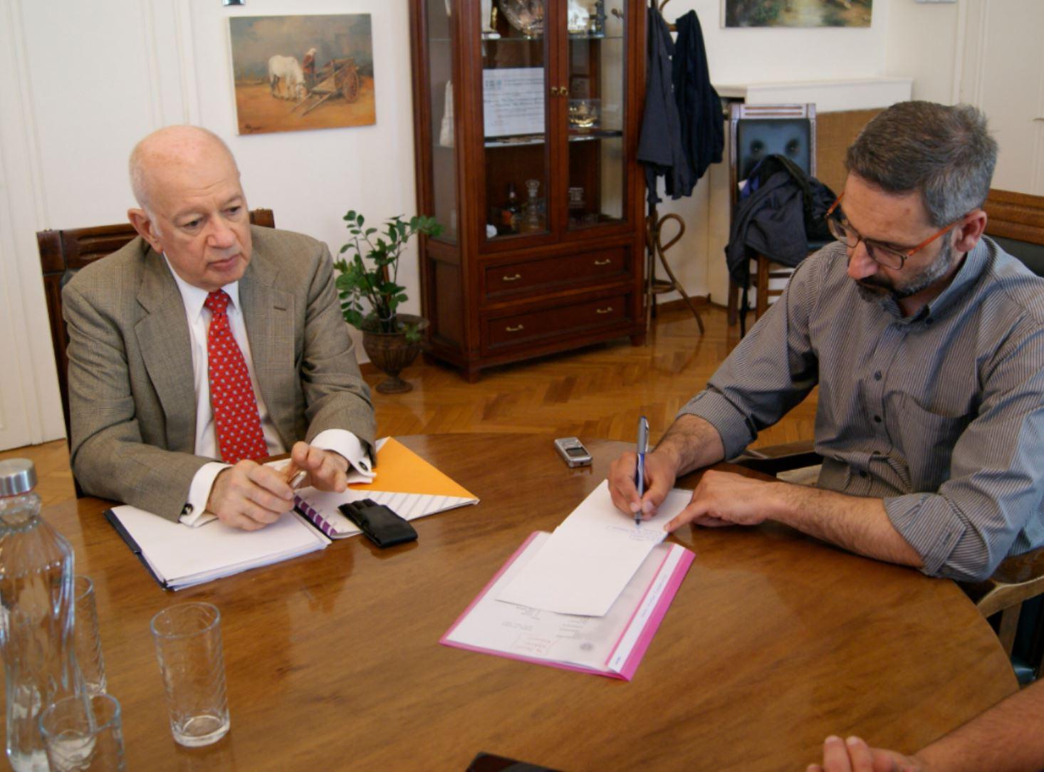 Συνάντηση δημάρχου Κοζάνης με τον Υπουργό Οικονομίας κι Ανάπτυξης, Δημήτρη Παπαδημητρίου (Φωτογραφίες)