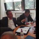 kozan.gr: Τρίτο σκηνικό αντιπαράθεσης μεταξύ Καρυπίδη – Ζεμπιλιάδου, στη συνεδρίαση του Συντονιστικού Οργάνου για τις εξελίξεις στην ΔΕΗ – Η συζήτηση για το αν η σύμπραξη του δημοσίου με τον ιδιωτικό τομέα είναι πώληση – Δείτε τι ειπώθηκε και για την επίσκεψη του Πρωθυπουργού (Βίντεο)