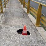 Σχόλιο αναγνώστη στο kozan.gr: Άμεση αποκατάσταση των οπών στη γέφυρα των Σερβίων (Φωτογραφίες)