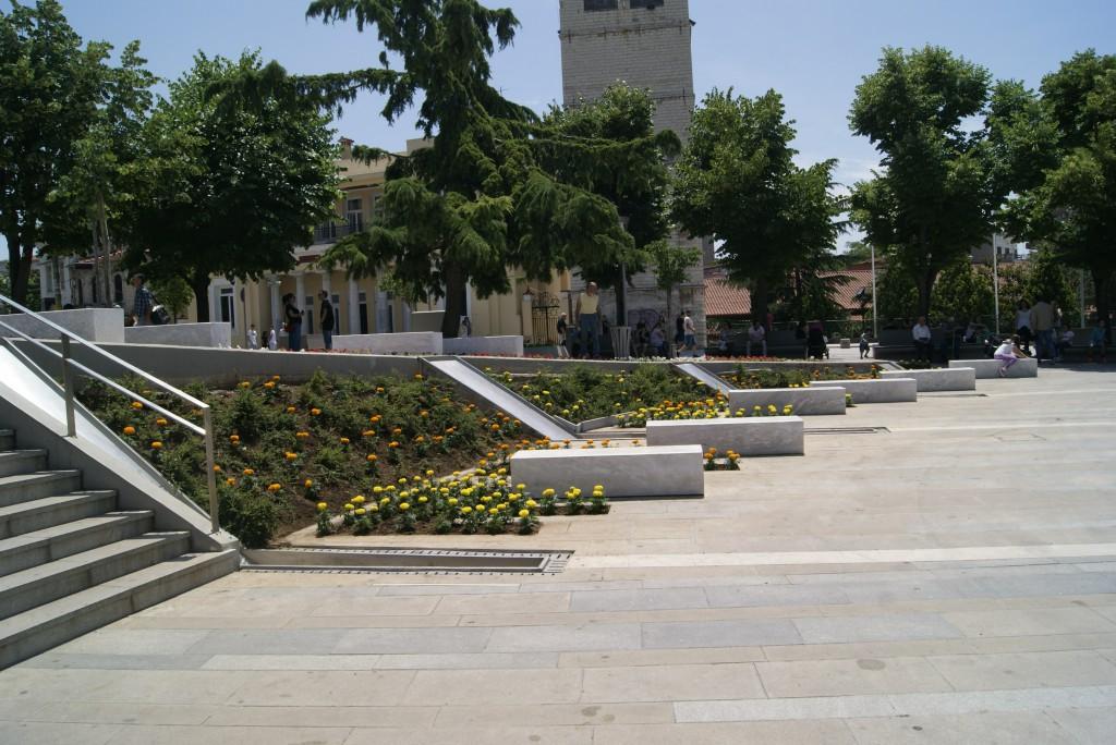 kozan.gr: Τι απάντησε, μέσω facebook, ο δήμαρχος Κοζάνης, στο ερώτημα σχετικά με τα ποδήλατα στην κεντρική πλατεία της Κοζάνης;