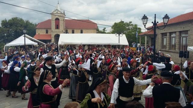Πλήθος κόσμου στο πανβοϊακό χορευτικό συναπάντημα στη Βουχωρίνα  (Φωτογραφίες)