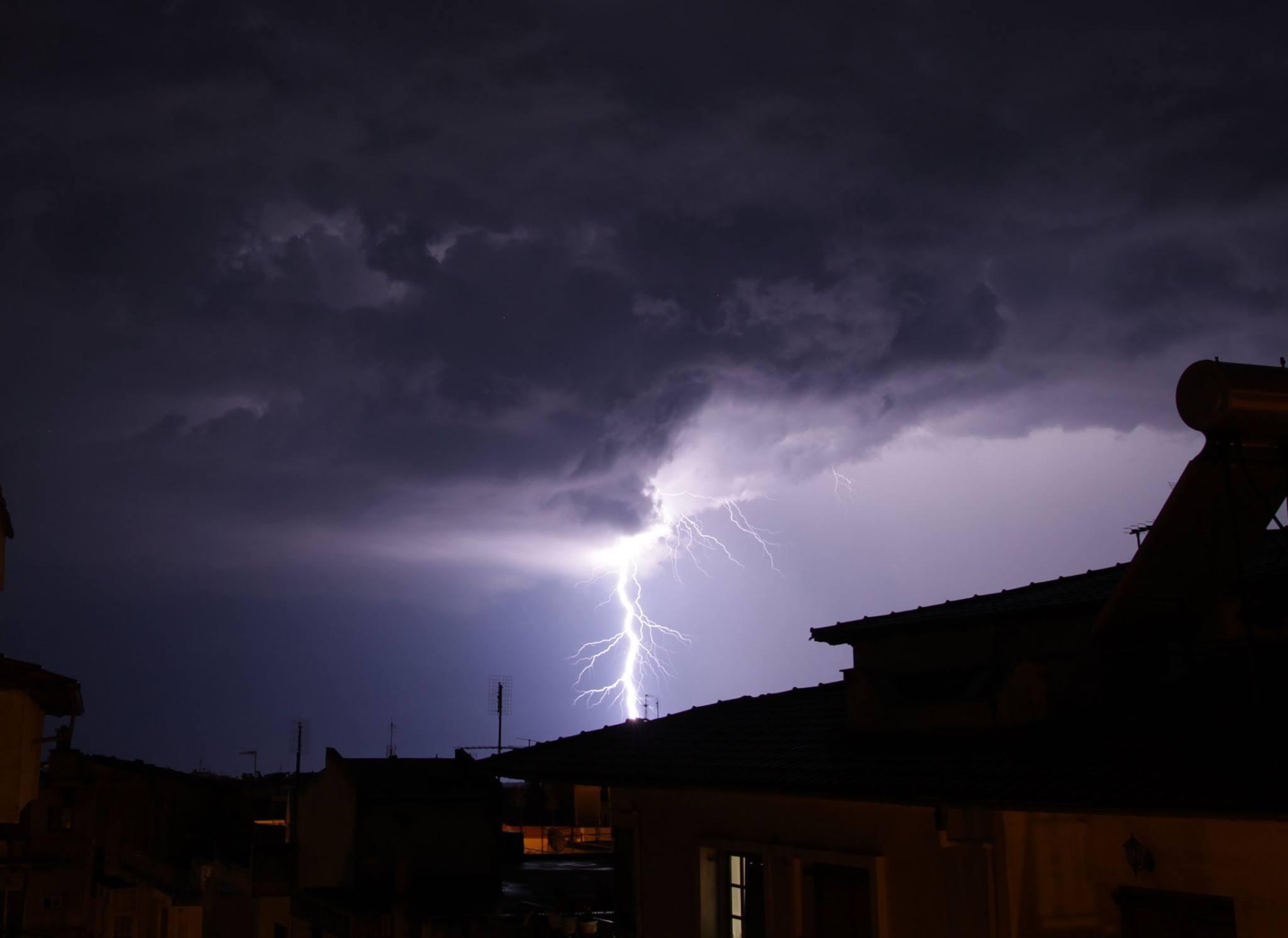 Έκτακτο Δελτίο Επιδείνωσης καιρού, από αύριο Τετάρτη 05 /08,  με κατά τόπους ισχυρές καταιγίδες που θα συνοδεύονται από χαλαζοπτώσεις και πρόσκαιρα από ισχυρούς ανέμους