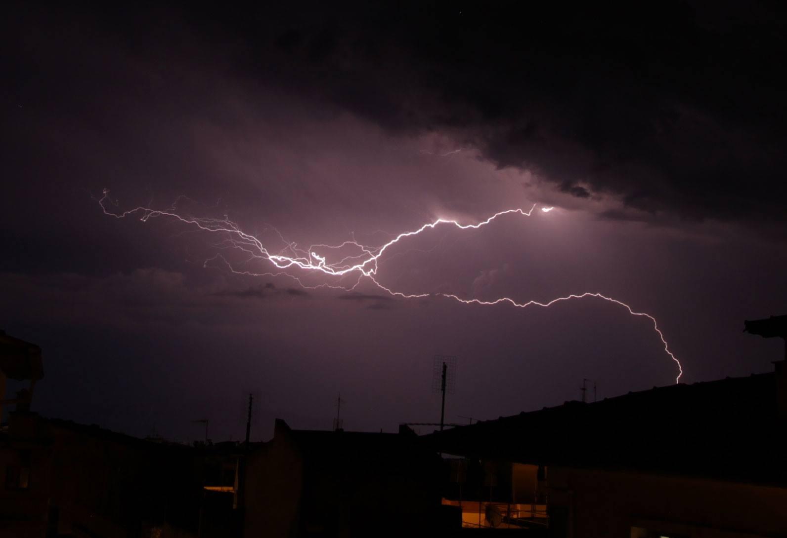 Εθνική Μετεωρολογική Υπηρεσία (ΕΜΥ): Eπιδείνωση θα παρουσιάσει ο καιρός από αύριο Σάββατο 04-04-2020 με ισχυρές βροχές και καταιγίδες