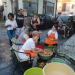 kozan.gr: 13η γιορτή Ροδακίνου: Η κίνηση γυναικών για την ανεξαρτησία του δήμου Βελβεντού προσέφερε στους επισκέπτες μαρμελάδα (Φωτογραφίες)