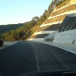 kozan.gr: «Έπεσε» κι η άσφαλτος  στο «Μπιτζινίσιο» στο δρόμο  Βελβεντο – Καταφύγι  (Φωτογραφίες)