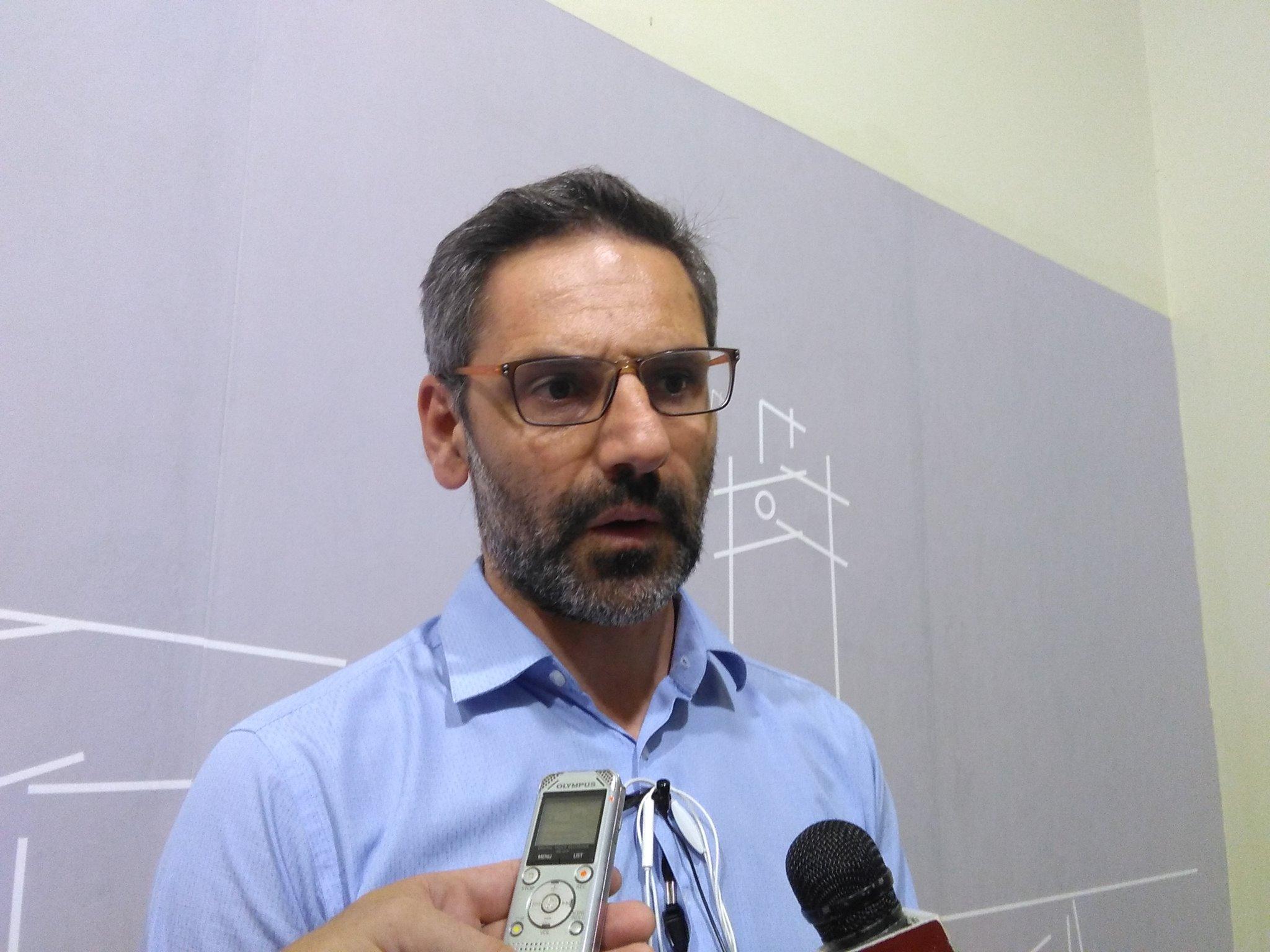kozan.gr:  Λ. Ιωαννίδης: «Εσκεμμένη ξήρανση – στα πολυσυζητημένα δέντρα – επί της οδού Φιλίππου Β' στην Κοζάνη – Θα αντικατασταθούν άμεσα»