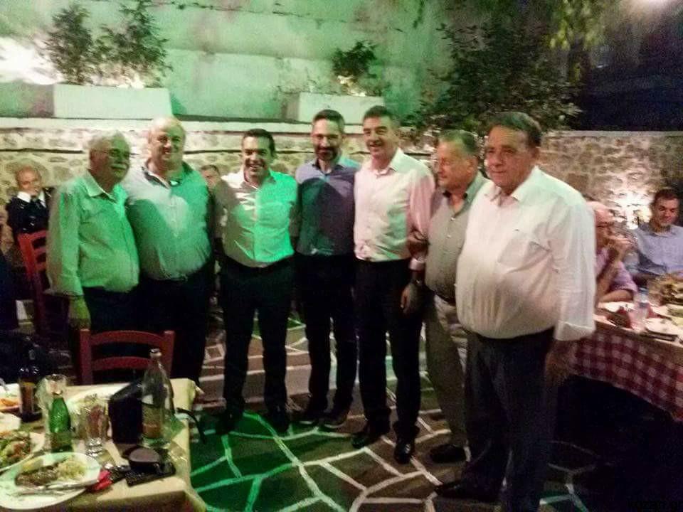 "kozan.gr: Στην ταβέρνα ""Οινοποιόν"" στην Κοζάνη, μετά την ομιλία του,  ο Αλέξης Τσίπρας (Φωτογραφίες)"