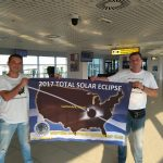 kozan.gr: Στις Η.Π.Α., για την ολική έκλειψη Ηλίου, στις 21/8, ο πρόεδρος κι ο αντιπροέδρος του Αστρονομικού Συλλόγου Δυτικής Μακεδονίας