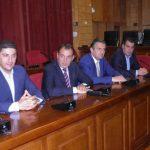 kozan.gr: Σίμος Κεδίκογλου από την Κοζάνη: «Μην ακούσουμε πάλι αυτές τις αηδίες, ότι η Ν.Δ θα κάνει απολύσεις. Δεν θα απολυθεί κανένας. Το έχει πει ο Κυριάκος σε όλους τους τόνους» (Bίντεο)