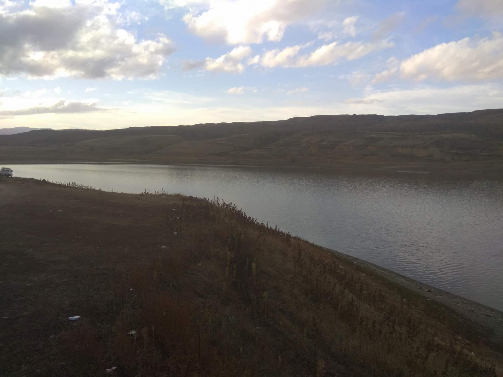 kozan.gr: Χαμηλά επίπεδα στάθμης και στη λίμνη στο Φράγμα Περδίκκα (Βίντεο & Φωτογραφίες)