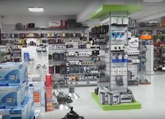 Παρουσίαση του χώρου και της μεγάλης γκάμας προϊόντων και υπηρεσιών που θα βρείτε στο κατάστημα της Lucas Led στην οδό Υψηλάντου 6 στην Κοζάνη