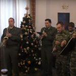 Τα κάλαντα από τη στρατιωτική μπάντα στο Δημαρχείο Κοζάνης (Βίντεο)