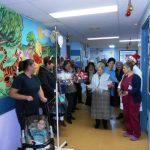 Γιορτινά χαμόγελα μοίρασαν στην Παιδιατρική κλινική του Μποδοσάκειου Νοσοκομείου τα μέλη του Α΄ ΚΑΠΗ Πτολεμαΐδας