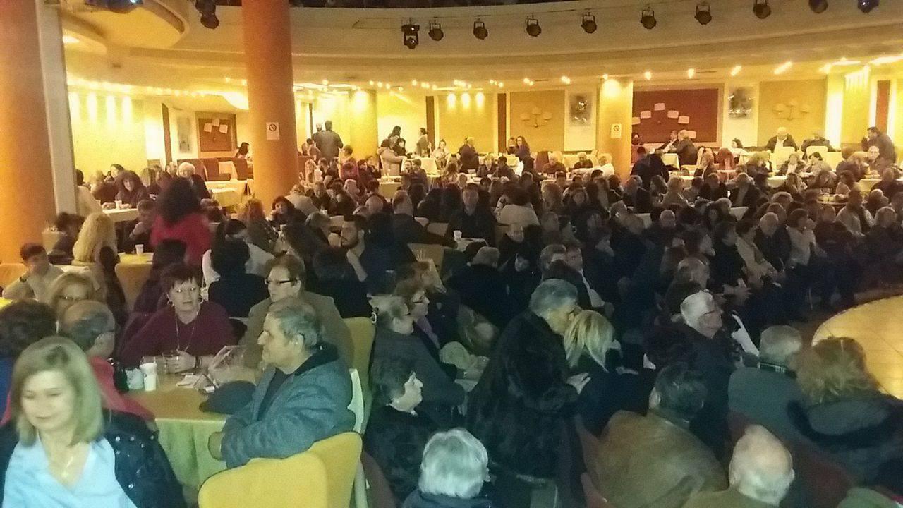 """kozan.gr: Γεμάτο το ξενοδοχείο """"Παντελίδης"""" για τη θεατρική παράσταση «Ζωή και κότα με χαβίτς και με κορκότα» (Φωτογραφίες & Βίντεο)"""