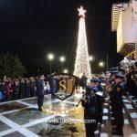 Φωταγωγήθηκε το Χριστουγεννιάτικο δέντρο στη Σιάτιστα (Φωτογραφίες & Βίντεο)